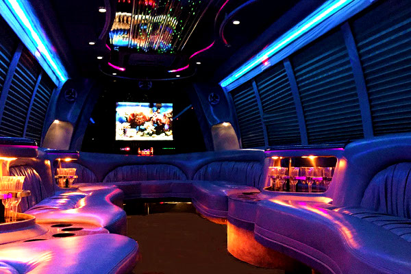 Hooker-County 18 Passenger Party Bus