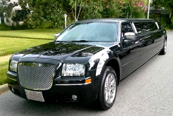 Knox-County Nebraska Chrysler 300 Limo