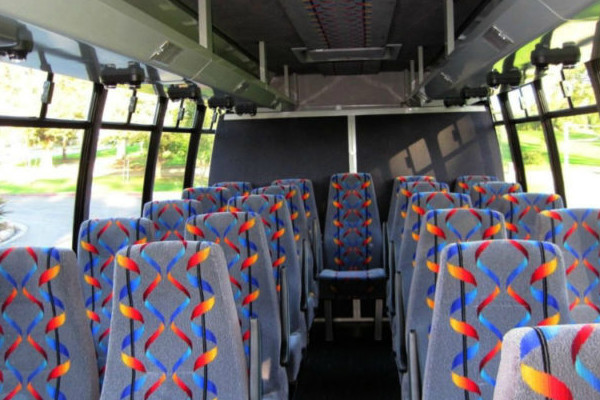 20 Person Mini Bus Rental Omaha Ne